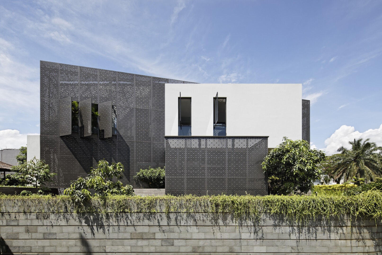 GOLFN HOUSE - Image 3